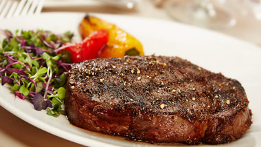 Steak and Argula Salad with grilled peppers